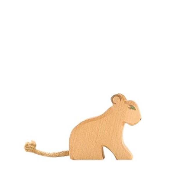 Ostheimer Leeuwtje zittend
